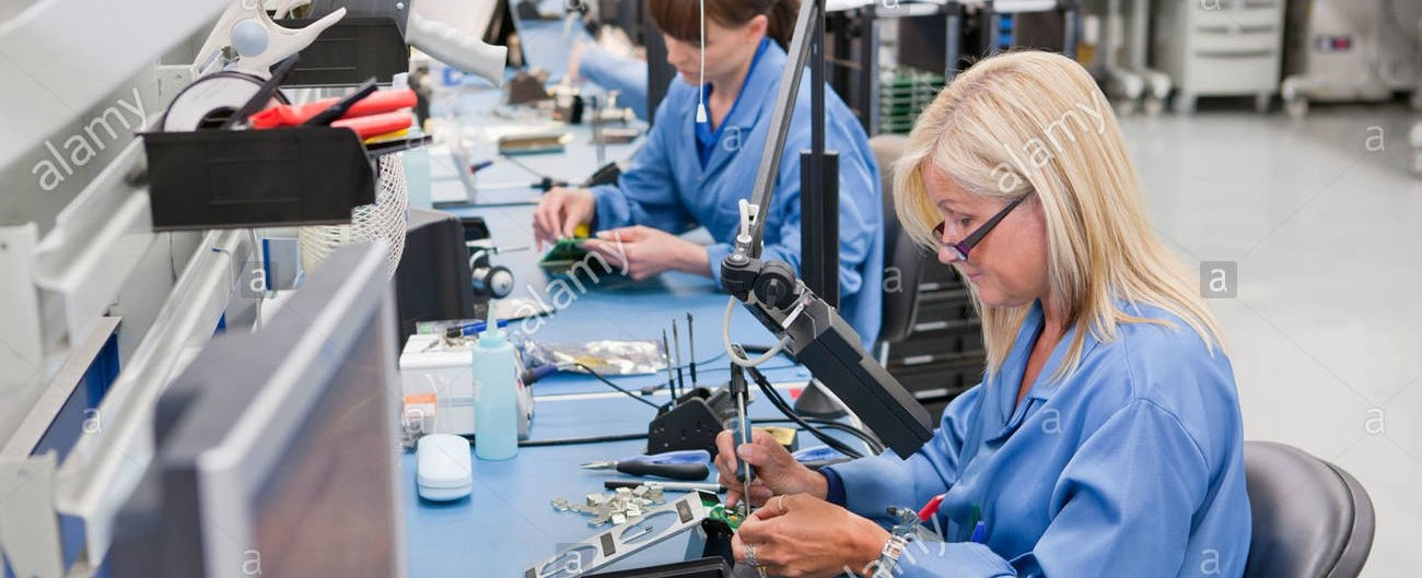 technicians-working-on-assembly-line-in-hi-tech-electronics-manufacturing-CXP302